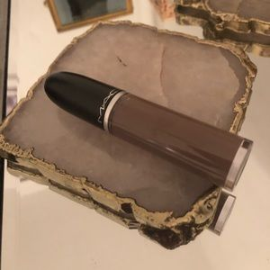 MAC Retro Liquid Lipstick in Simply Smoked